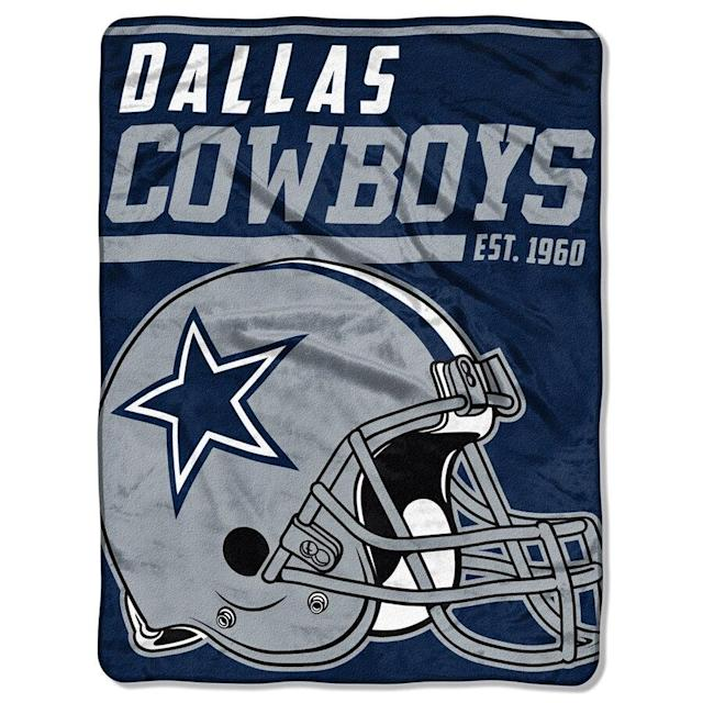 Dallas Cowboys 40-Yard Dash Micro Raschel Blanket