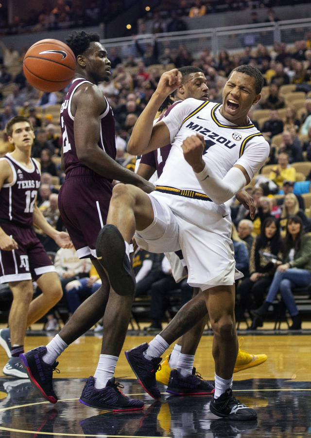Missouri's Javon Pickett celebrates after dunking the ball during the first half of an NCAA college basketball game against Texas A&M, Saturday, Feb. 9, 2019, in Columbia, Mo. (AP Photo/L.G. Patterson)