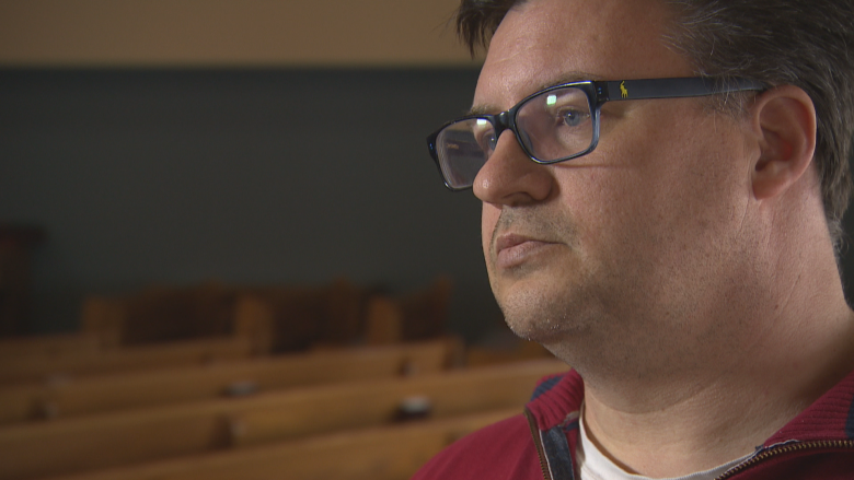 Ottawa 'withholding taxpayer money' from religious groups for summer jobs grant, Winnipeg pastor says