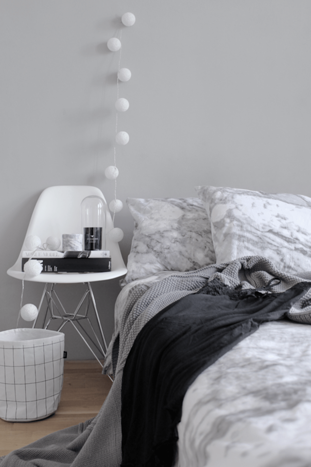<div> <div> <div>  Deck your bedroom out in a marble comforter that will go with any color scheme.  </div> </div> </div>