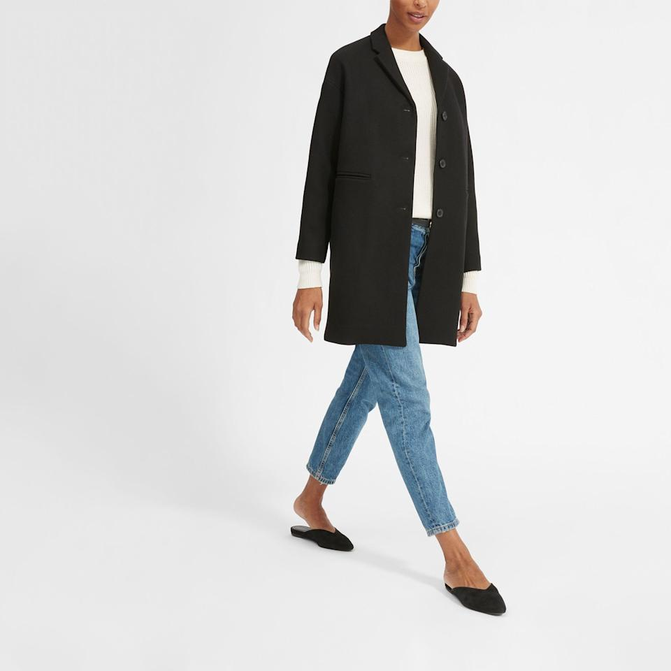 "<p><strong>Everlane</strong></p><p>everlane.com</p><p><strong>$250.00</strong></p><p><a href=""https://go.redirectingat.com?id=74968X1596630&url=https%3A%2F%2Fwww.everlane.com%2Fproducts%2Fwomens-cocoon-coat-black&sref=https%3A%2F%2Fwww.goodhousekeeping.com%2Fclothing%2Fwinter-coat-reviews%2Fg2273%2Fhighest-rated-womens-winter-coats%2F"" rel=""nofollow noopener"" target=""_blank"" data-ylk=""slk:Shop Now"" class=""link rapid-noclick-resp"">Shop Now</a></p><p>For a more relaxed look and feel, this cocoon style looks like an oversized blazer and the brand says it's <strong>versatile enough to wear from work to date night. </strong>The <a href=""https://www.goodhousekeeping.com/clothing/g27154605/sustainable-fashion-clothing/"" rel=""nofollow noopener"" target=""_blank"" data-ylk=""slk:ethics-focused company"" class=""link rapid-noclick-resp"">ethics-focused company</a> stands out for using transparent pricing so you know how much it costs to make the garment (they say this one costs $102). Just keep in mind that this 60% wool fabrication has five different fibers in the blend, which can often cause pilling over time. </p>"