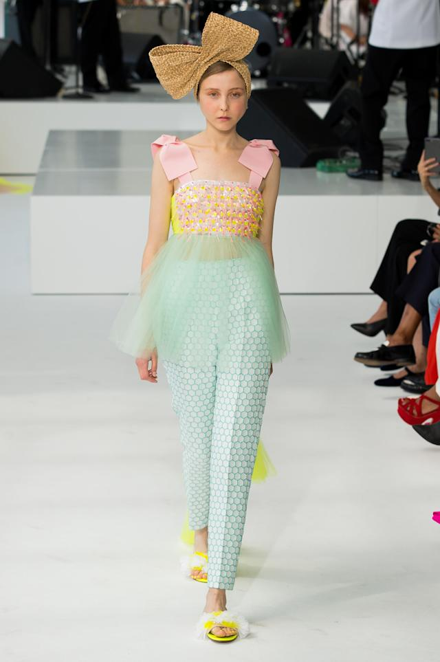 <p><i>A model in head-to-toe sorbet shades. (Photo: ImaxTree) </i></p>