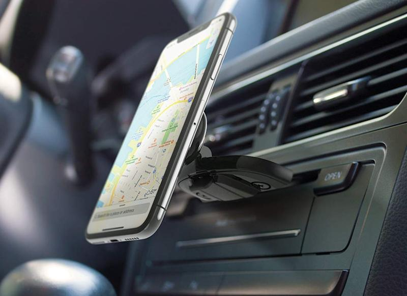 Save 45 on this magnet car mount. (Photo: Amazon)