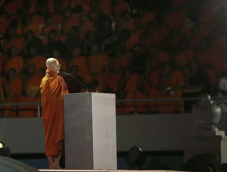 Buddhist monk Ashin Wirathu, leader of the 969 movement, delivers a speech during a convention held by the Bodu Bala Sena (Buddhist Power Force, BBS) in Colombo September 28, 2014.      REUTERS/Dinuka Liyanawatte