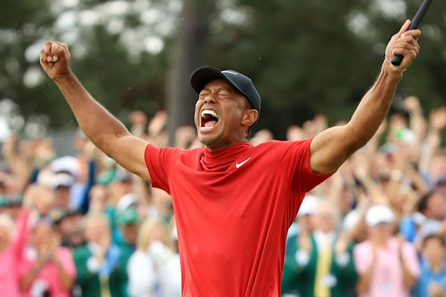 Tiger Woods celebrates winning the 15th major of his career. (Credit: Getty Images)
