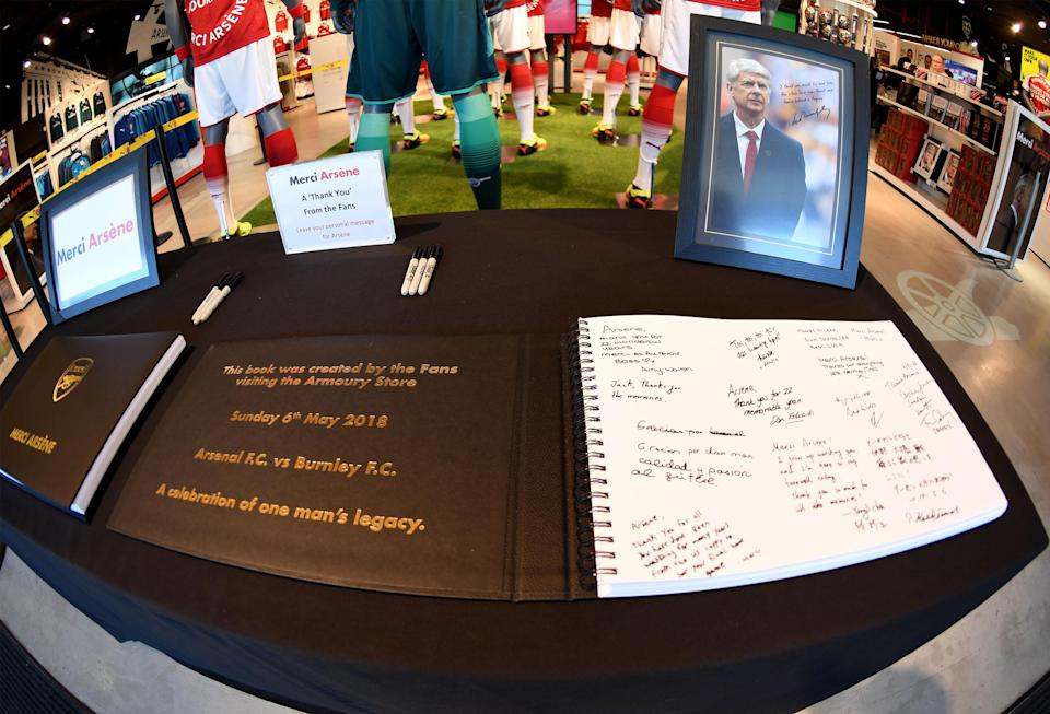 Arsenal fans wrote messages to Arsene Wenger in a commemorative book. (Getty)