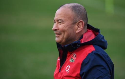 Jones orders 'fish and chips rugby' against Fiji