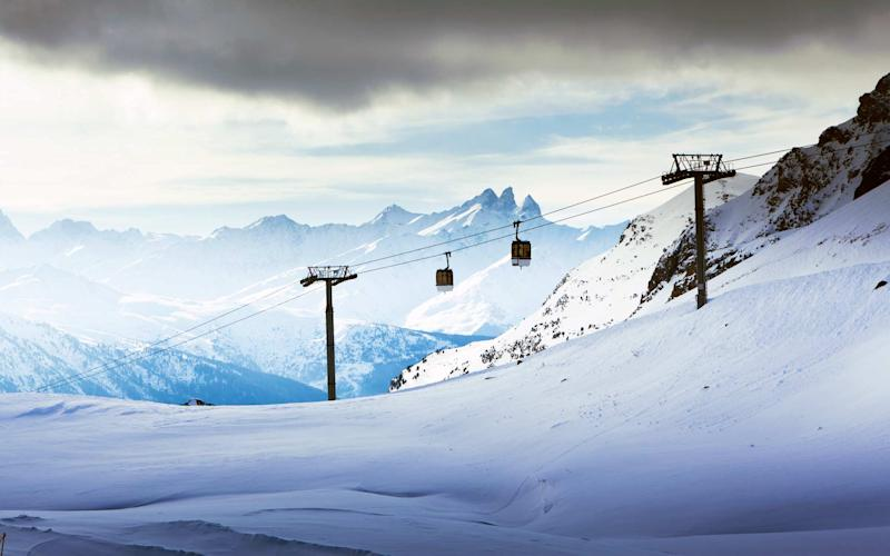 A new Frozen-themed trail map opens up new areas of the French 3 Vallées ski area - Gosiek-B