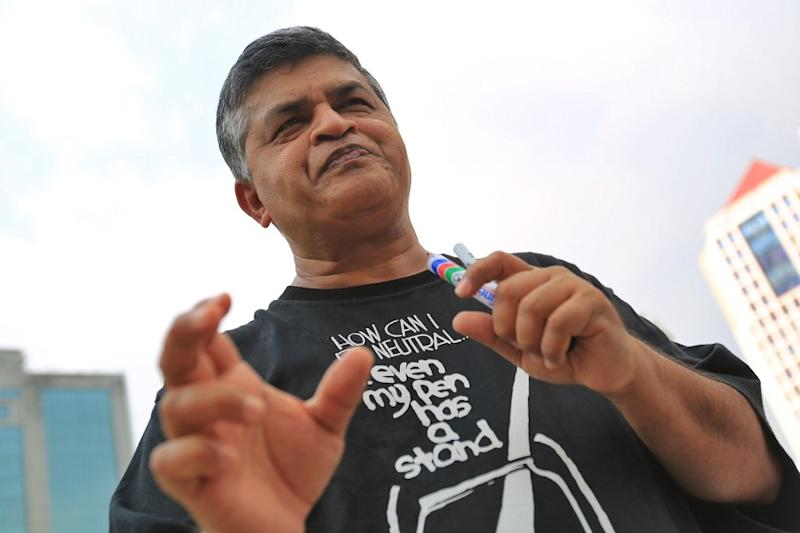 Seeking return of artwork, Zunar sends notice of demand to police
