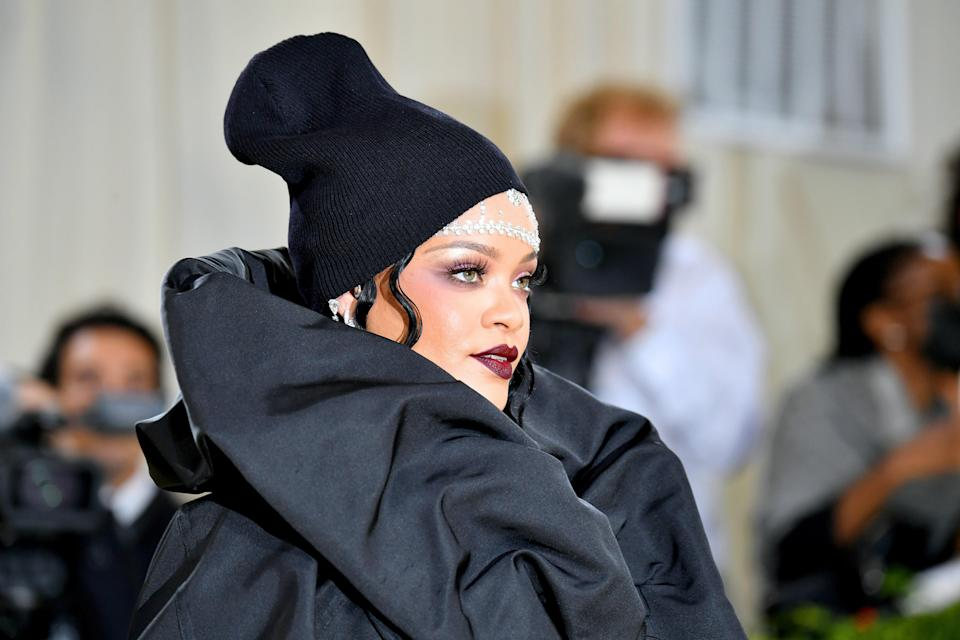 NEW YORK, NEW YORK - SEPTEMBER 13: Rihanna attends The 2021 Met Gala Celebrating In America: A Lexicon Of Fashion at Metropolitan Museum of Art on September 13, 2021 in New York City. (Photo by Jeff Kravitz/FilmMagic)