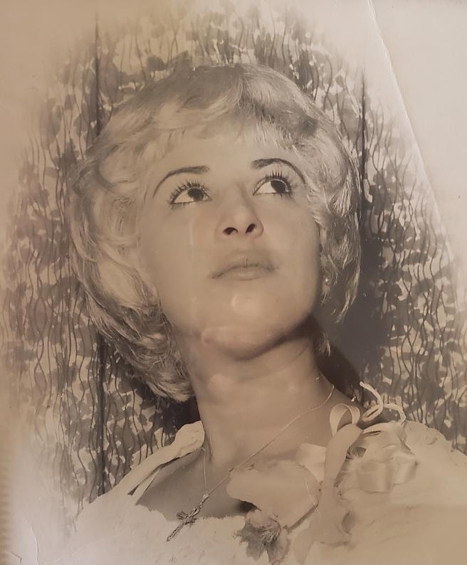 Petronila León as a young woman in Cuba. (Courtesy of Kenia León)