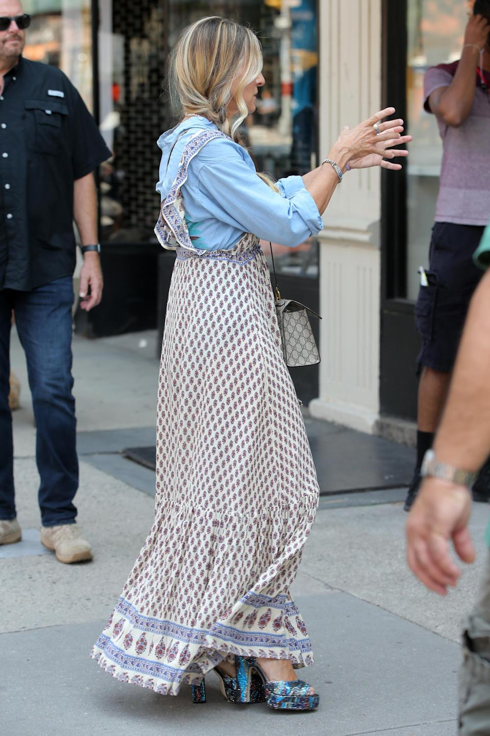 """Sarah Jessica Parker films """"And Just Like That"""" on the Upper West Side in New York City. - Credit: Christopher Peterson / SplashNews.com"""