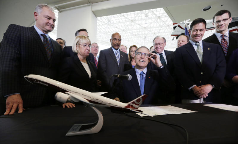 Washington governor signs Boeing incentive bills