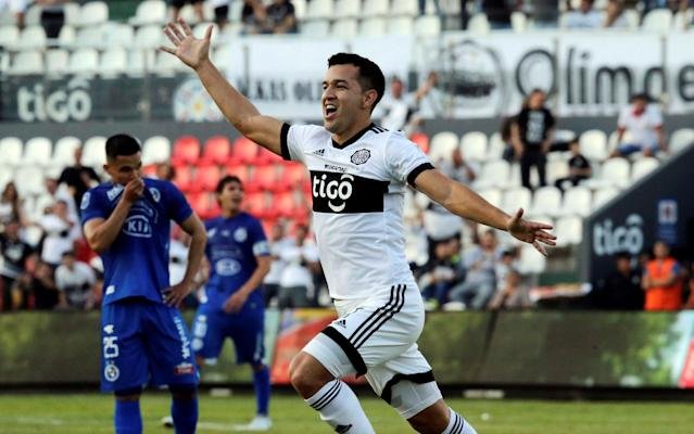 Soccer Football - Paraguayan Championship - Sol de America v Olimpia Asuncion - Defensores del Chaco stadium, Asuncion, Paraguay - May 27, 2018. Nestor Camacho of Olimpia celebrates his goal against Sol de America. REUTERS/Jorge Adorno