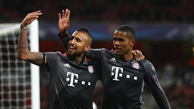 Bayern Munich have welcomed Douglas Costa back to training ahead of Saturday's Bundesliga clash with Borussia Dortmund