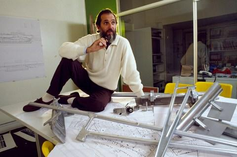 Renzo Piano amongst his work in 1987, the year the Menil Collection opened - Credit: Getty