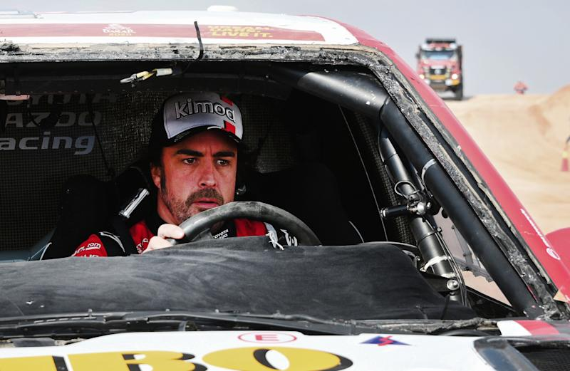 Toyota's Spanish driver Fernando Alonso drives his car after the neutralisation of the race due to strong winds during the Stage 10 of the Dakar 2020 between Haradh and Shubaytah, Saudi Arabia, on January 15, 2020. - Dakar debutant Fernando Alonso, the two-time former Formula One champion, lost more than an hour after double rolling his Toyota, an accident that saw the Spaniard carry on driving with no windscreen. (Photo by FRANCK FIFE / AFP) (Photo by FRANCK FIFE/AFP via Getty Images)