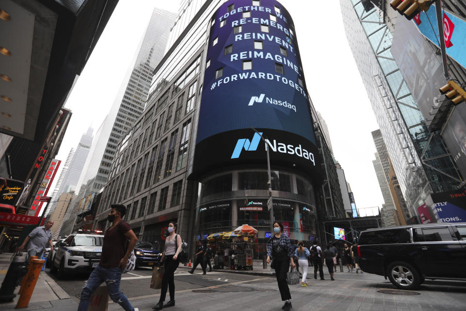NEW YORK, Sept. 3, 2020-- Pedestrians walk past the New York Stock Exchange (NYSE) in New York, the United States, Sept. 3, 2020.   U.S. stocks plunged on Thursday, as a steep sell-off in tech shares dragged down the market.     The Dow Jones Industrial Average fell 807.77 points, or 2.78 percent, to finish at 28,292.73. The 30-stock index shed more than 1,000 points, or about 3.5 percent, at the lows.     The S&P 500 fell 125.78 points, or 3.51 percent, to end at 3,455.06. The Nasdaq Composite Index sank 598.34 points, or 4.96 percent, to 11,458.10.(Photo by Wang Ying/Xinhua via Getty) (Xinhua/Wang Ying via Getty Images)