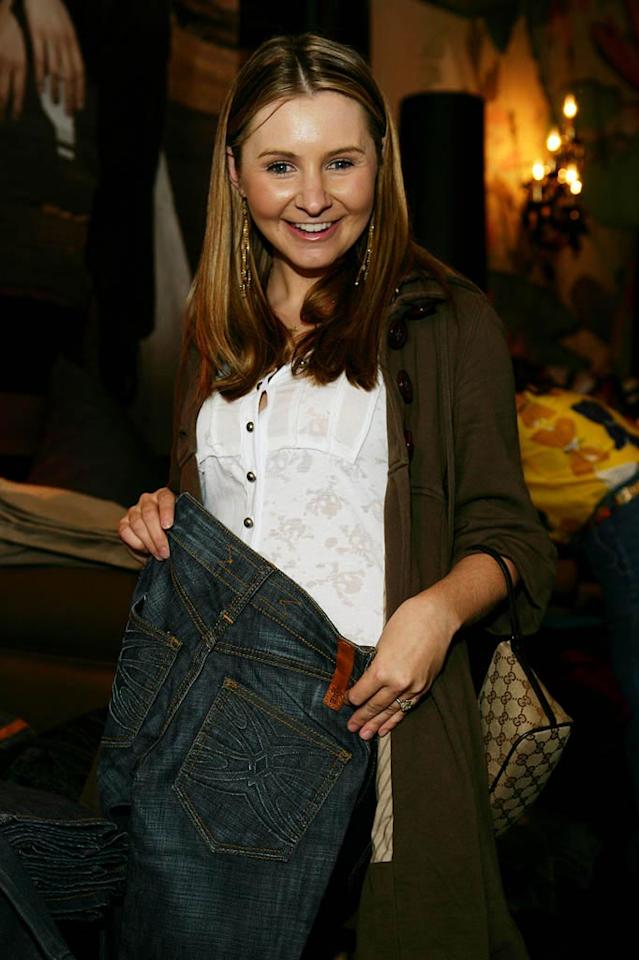 "Former ""Seventh Heaven"" star Beverley Mitchell got in on the free denim as well. Alex Turner/<a href=""http://www.splashnewsonline.com/"" target=""new"">Splash News</a> - February 21, 2008"
