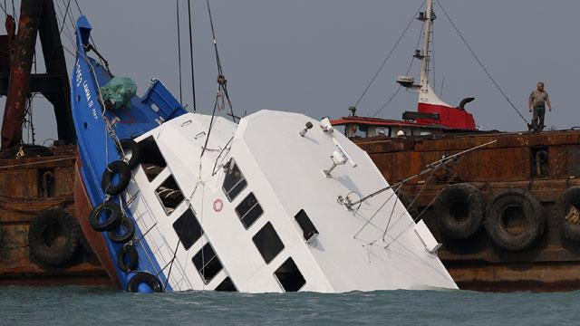 Death Toll Rises to 38 in Hong Kong Ferry Boat Accident