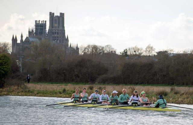 The GemCambridge University Boat Club women's crew train on the river Great Ouse near Elyini Boat Race 2021 – Cambridge Crew Training – March 24th
