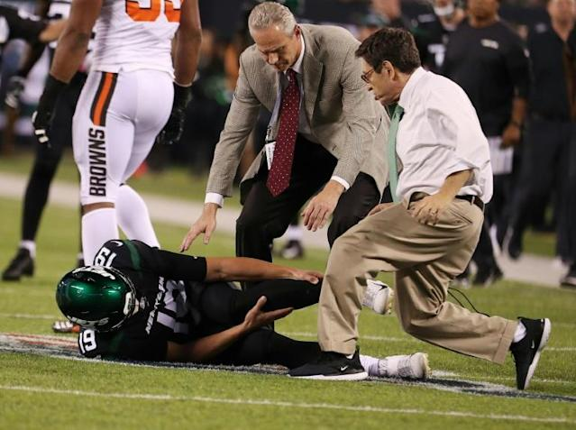New York Jets backup quarterback Trevor Siemian will miss the rest of the season after injuring ankle ligaments against Cleveland (AFP Photo/AL BELLO)