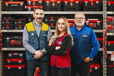 LOWE'S CANADA IS RECRUITING TO FILL 5,400 IN-STORE POSITIONS THIS SPRING - A National Hiring Day will be held on Saturday, March 14, in all Lowe's, RONA, and Reno-Depot corporate stores (CNW Group/Lowe's Canada)