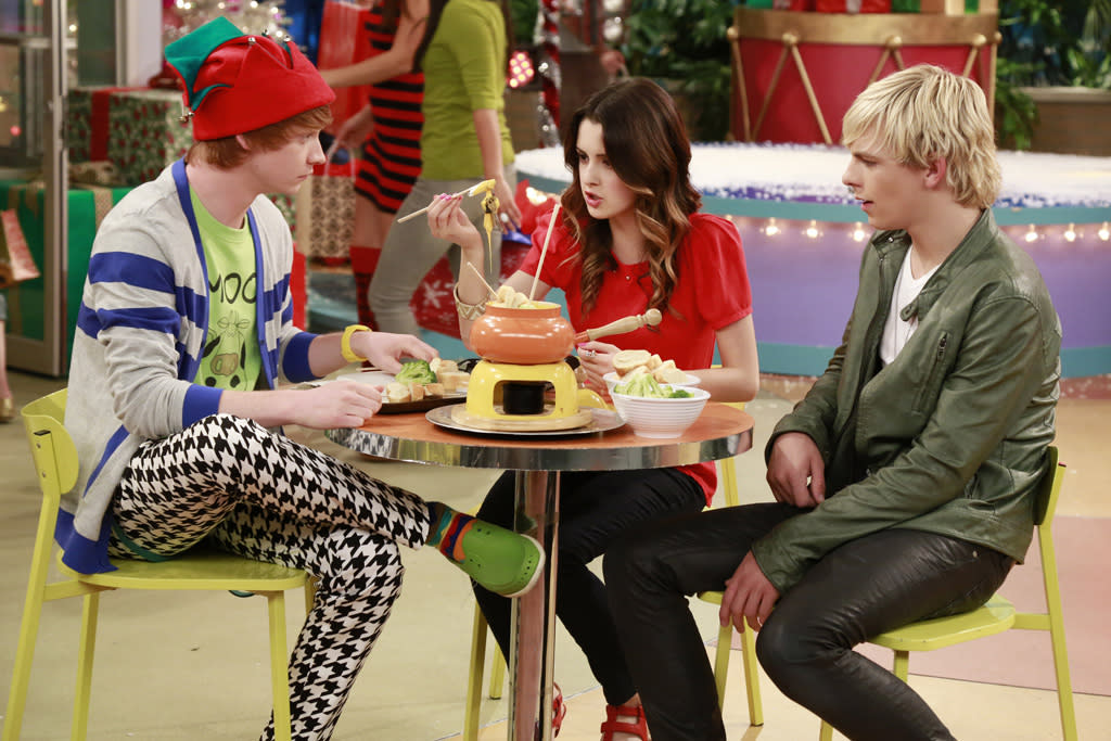 "Austin, Ally, Trish and Dez travel to Times Square where Austin is booked to perform on New Year's Eve. When they can't get through New York City's crowded streets, Jessie comes up with a plan to get them to the stage and to ultimately have Austin record one of her songs. Three songs are performed in the hour-long episode: ""Face to Face,"" a duet by Austin (Ross Lynch) and Jessie (Debby Ryan), and ""Christmas Soul"" and ""Can You Feel It"" by Austin. This special crossover episode will air FRIDAY, DECEMBER 7 (8:00 - 9:00 p.m., ET/PT), on Disney Channel."