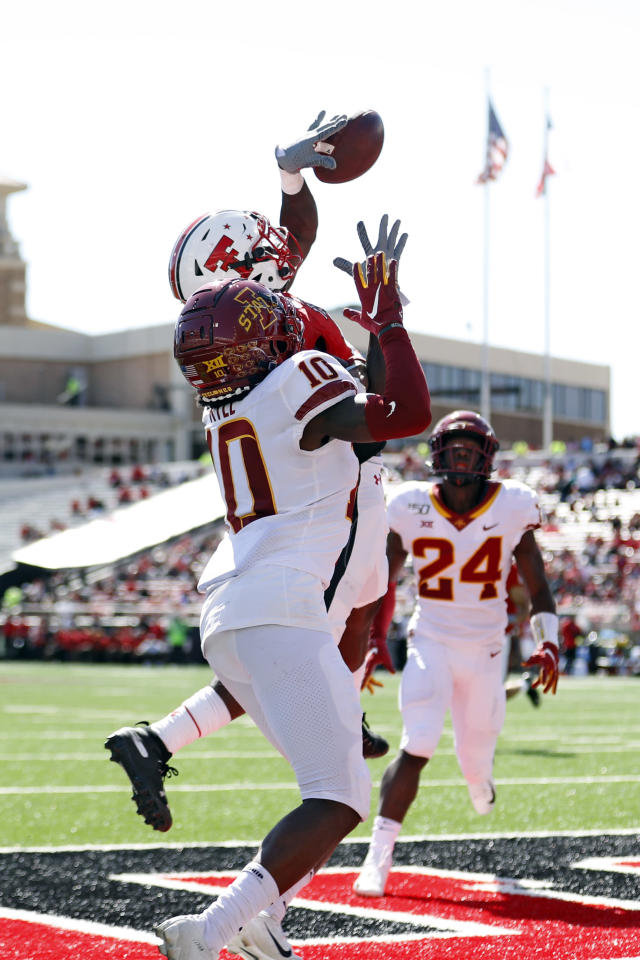 Texas Tech's T.J. Vasher (9) misses touchdown pass in front of Iowa State's Tayvonn Kyle (10) during the second half of an NCAA college football game Saturday, Oct. 19, 2019, in Lubbock, Texas. (Brad Tollefson/Lubbock Avalanche-Journal via AP)
