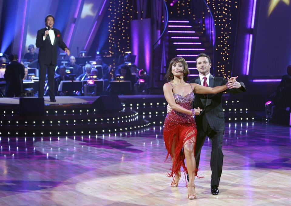 <p>We told you boy-band members rule this contest. The 98 Degrees singer—and obvious brother to Nick—got first place with partner Cheryl Burke. </p>