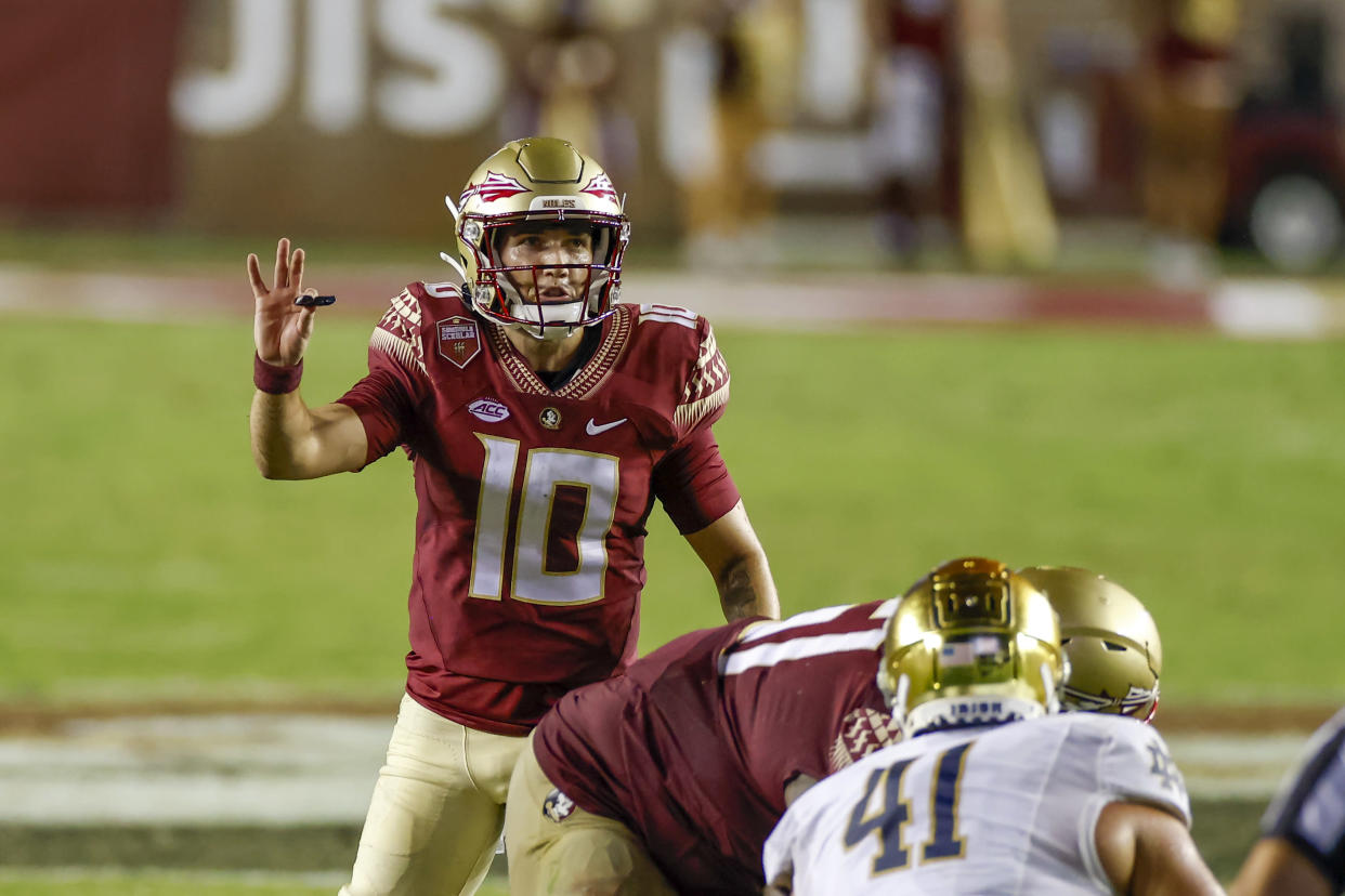 TALLAHASSEE, FL - SEPTEMBER 05: Florida State Seminoles quarterback McKenzie Milton (10) during the game between the Notre Dame Fighting Irish and the Florida State Seminoles on September 5, 2021 at Bobby Bowden Field at Doak Campbell Stadium in Tallahassee, Fl. (Photo by David Rosenblum/Icon Sportswire via Getty Images)