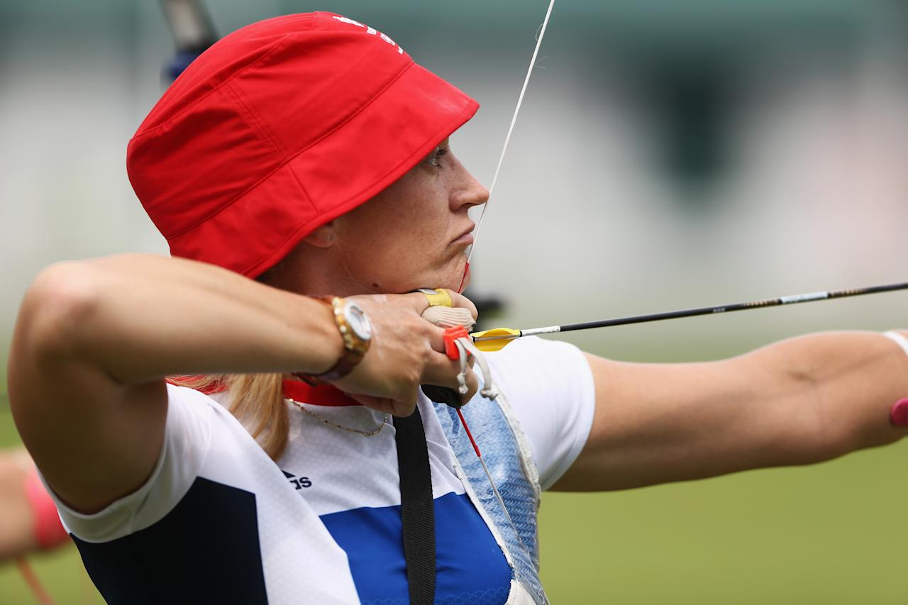LONDON, ENGLAND - JULY 27: Alison Williamson of Great Britain in action during the Archery Ranking Round on Olympics Opening Day as part of the London 2012 Olympic Games at the Lord's Cricket Ground on July 27, 2012 in London, England.  (Photo by Paul Gilham/Getty Images)