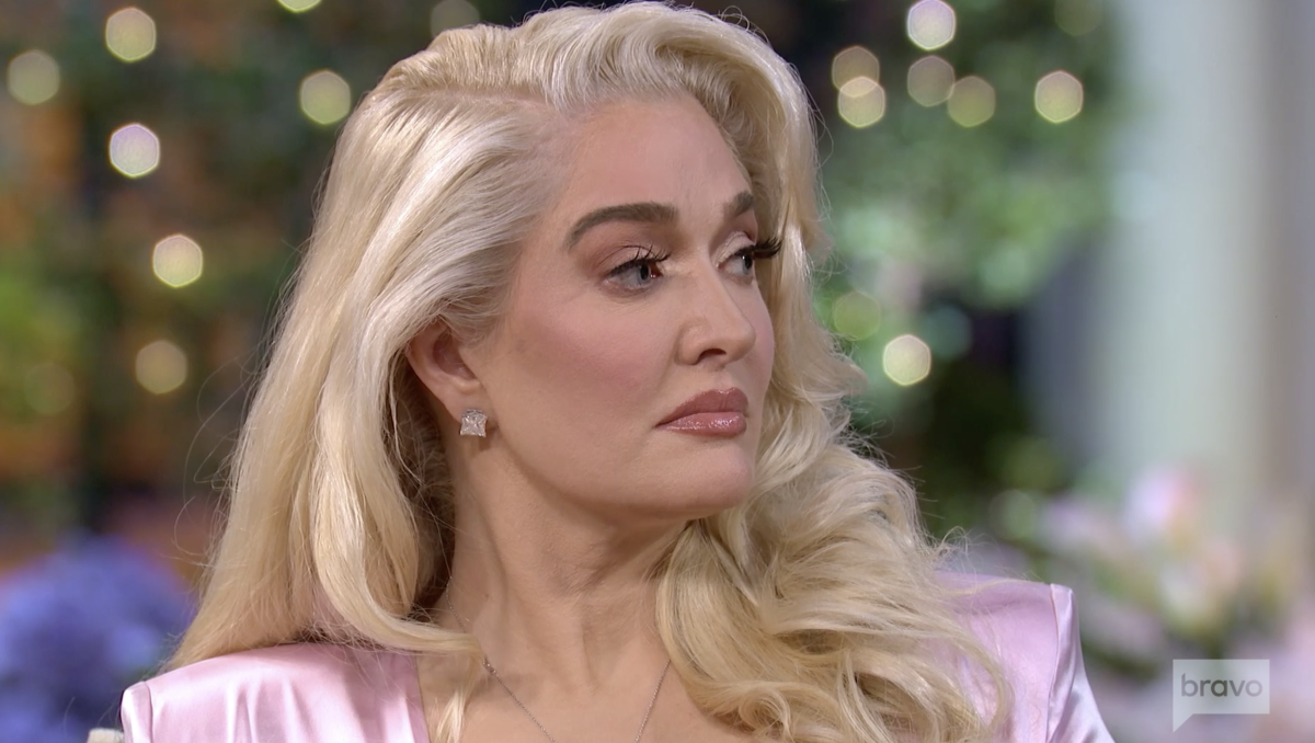 Erika Girardi Defends Herself During 'The Real Housewives of Beverly Hills' Reunion: 'I Was Not in Control of My Finances' - Yahoo Entertainment