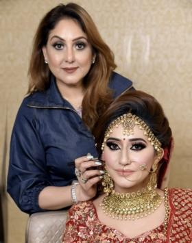 Meenakshi Dutt has helped pioneer and revolutionised the MakeUp Industry time after time
