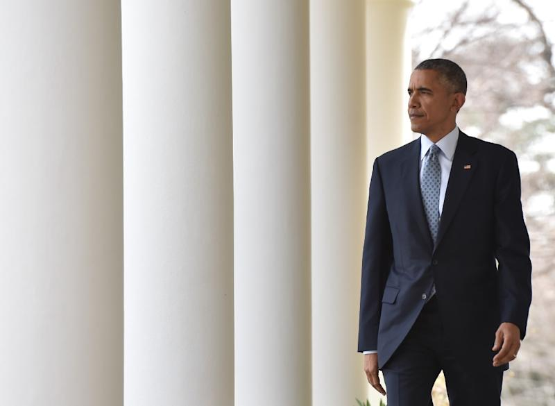 US President Bararck Obama walks to the Rose Garden to make a statement at the White House in Washington, DC, on April 2, 2015