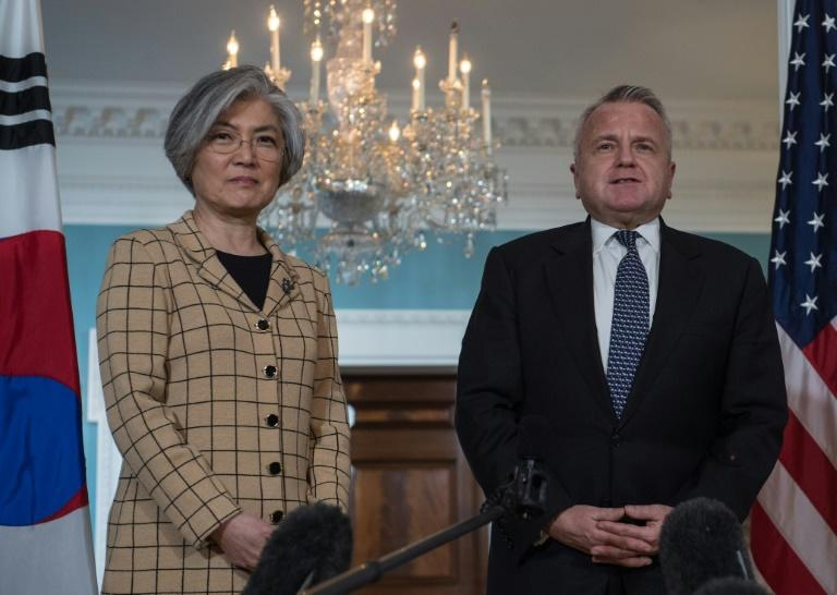 South Korean Foreign Minister Kang Kyung-wha (L) met with US Deputy Secretary of State John Sullivan at the State Department on Friday
