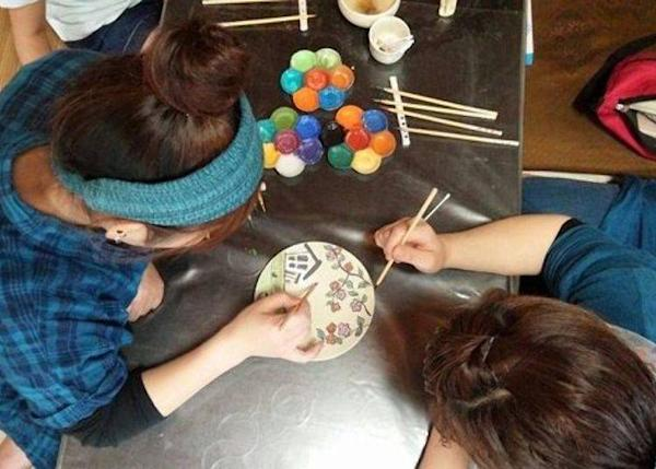 ▲ This small workshop is a combined atelier and sales shop (photo provided by Pottery Atelier Hana * Hana)