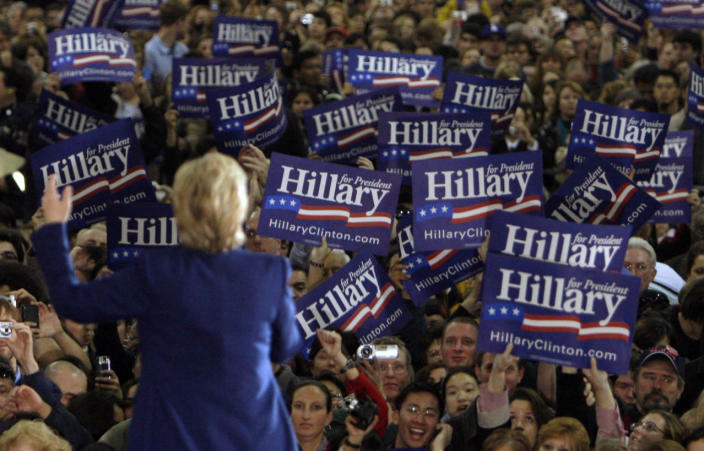 <p>Democratic presidential candidate Sen. Hillary Clinton addresses a campaign rally in San Jose, Calif., in February 2008. (Photo: Brian Snyder/Reuters)</p>
