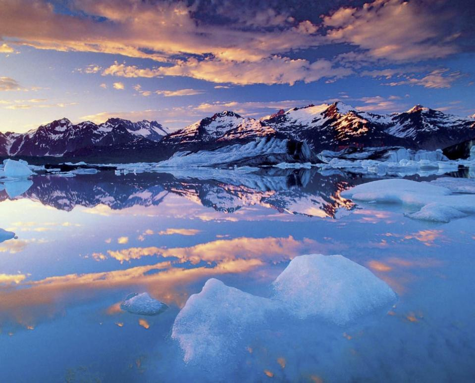 <p>'This became the image that was used to convince lawmakers in Canada and the US to oppose the development of a massive copper mine and instead create the Tatshenshini-Alsek Park, now a UNESCO World Heritage Site.' (Masters of Landscape Photography) </p>