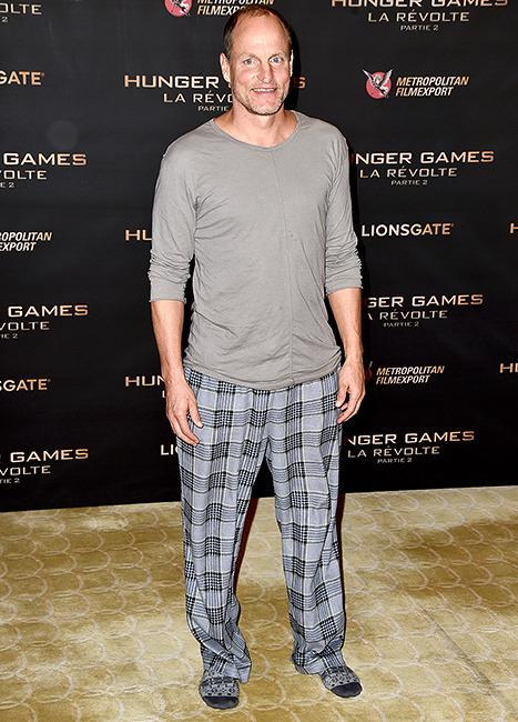 Woody Harrelson Wears Only Socks for  Hunger Games  Paris Photocall 2ee47d17b