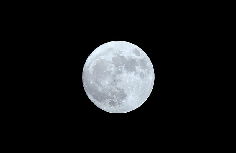 A week-long loop around the Moon comes with some risks such as claustrophobic freak-outs and a disturbed sleep cycle that will translate into heavy jetlag back on home soil