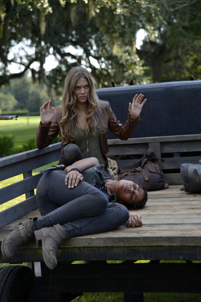 """Sex and Drugs"" Episode 106 -- Pictured: (l-r) Tracy Spiridakos as Charlie Matheson, Daniella Alonso as Nora"