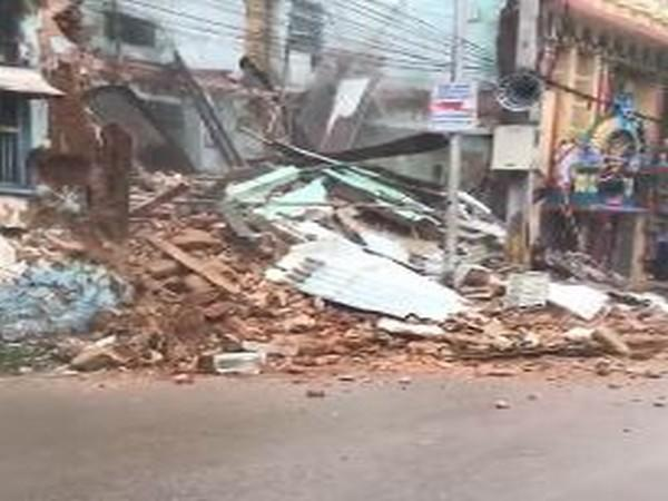 An old building collapsed in Hyderabad on Wednesday. [Photo/ANI]