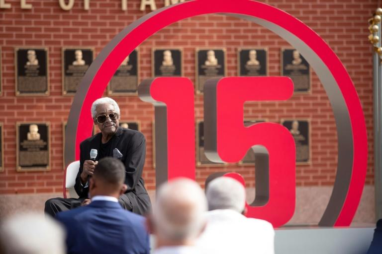 Phillies retire Allen's number, hope Hall of Fame nod is next