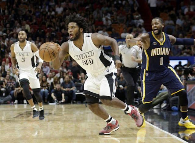"""<a class=""""link rapid-noclick-resp"""" href=""""/nba/players/5470/"""" data-ylk=""""slk:Justise Winslow"""">Justise Winslow</a> was previously thought to have suffered a stinger, not a torn labrum. (AP Photo/ Alan Diaz)"""