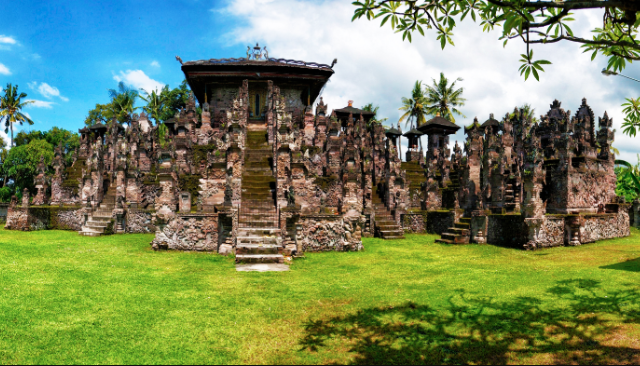 The temple is located in Sangsit on the island of Bali
