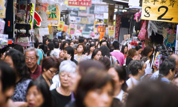 Crowd on Tung Choi Street (Ladies Market).