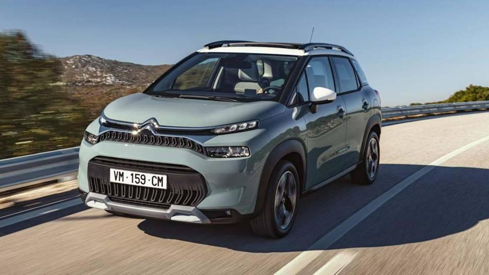 Citroen C3 Aircross compact crossover found testing, design details revealed