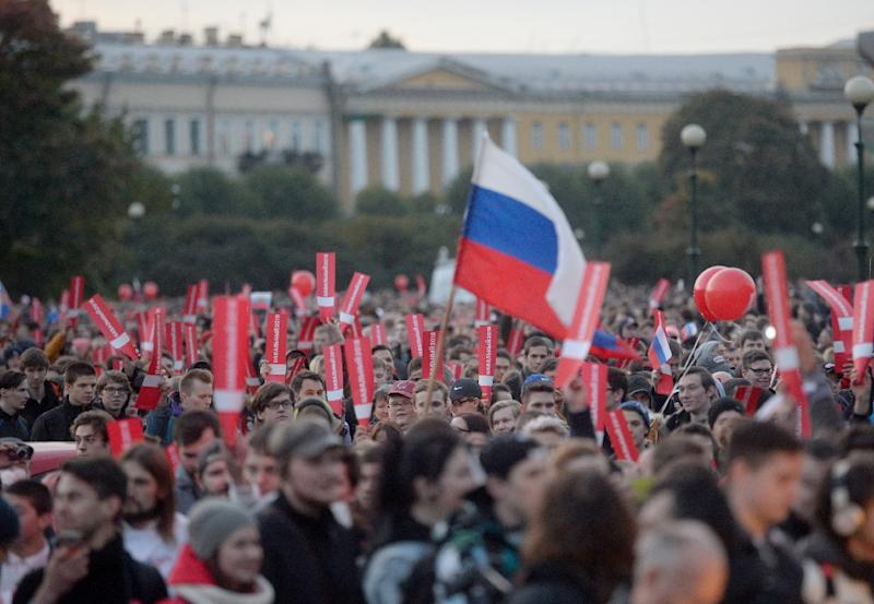 Thousands rallied in Saint Petersburg in early October to demand Vladimir Putin step down in a protest called by Russian opposition leader Alexei Navalny (AFP Photo/Olga MALTSEVA)