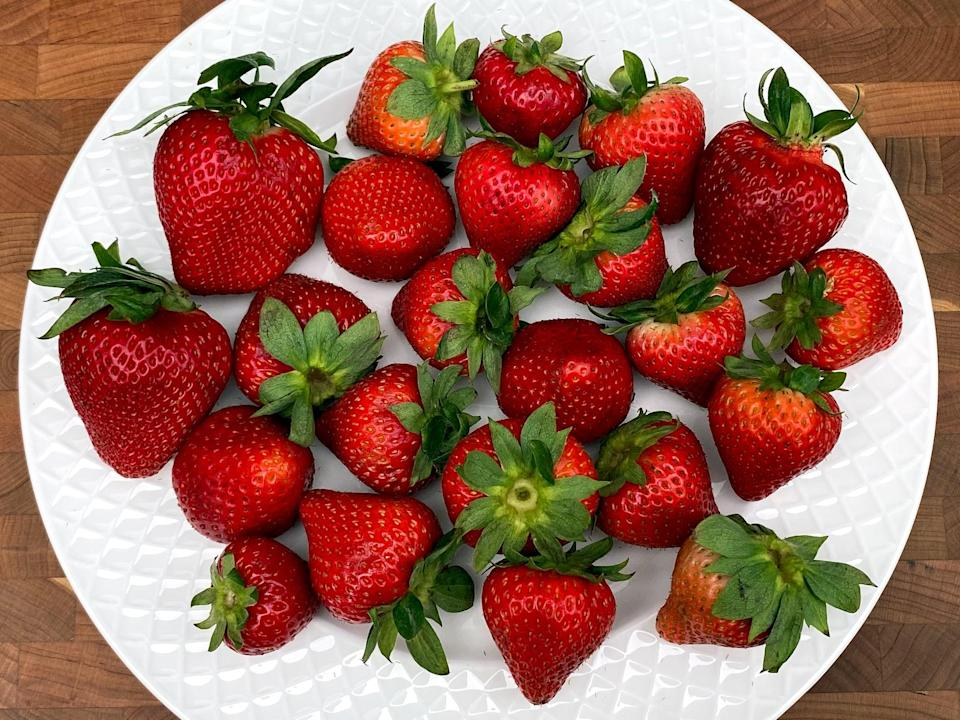 <p>4 1/4 cups of strawberries</p>